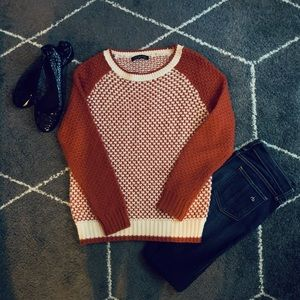 🍁🍂 Cozy Knit Orange and Cream Sweater 🍂🍁